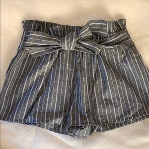 Striped shorts with tie